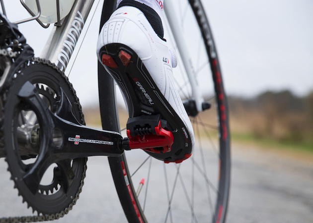 39923eaedfd How to Take Off and Change Clipless Pedal Cleats from Shoes