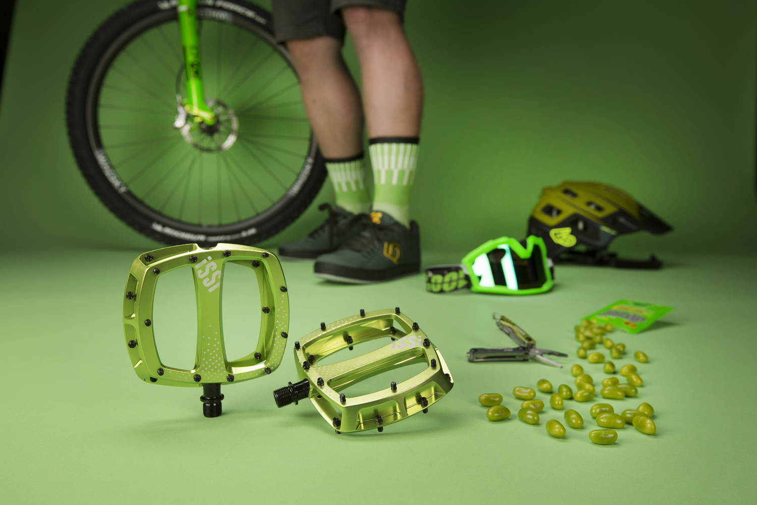 Mountain Bike Flat Pedals | iSSi STOMP